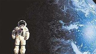 霍金警告人类不要尝试登月