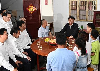习近平在江西考察并主持召开推动中部地区崛起座谈会