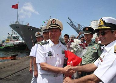 中国海军远航编队完成20国访问任务凯旋