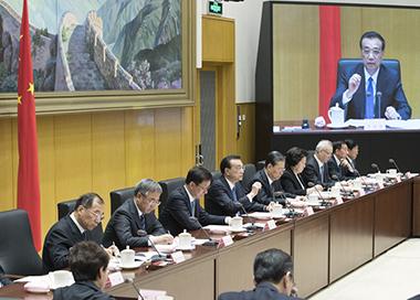 李克强:把党风廉政建设和反腐败推向深入