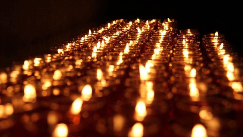 南京举行烛光祭